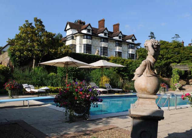 Así es la mansión de Rod Stewart